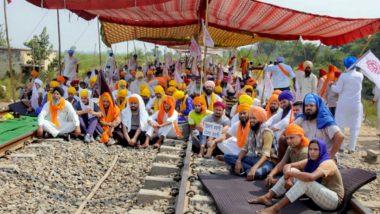 Indian Railways: पंजाब में किसानों के आंदोलन के कारण रेलवे को 2,220 करोड़ रुपये का नुकसान