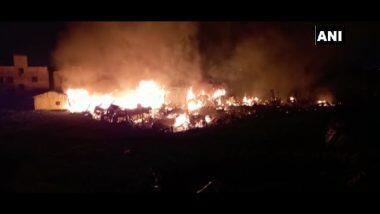 Fire in Kolkata New Town: कोलकाता के न्यू टाउन स्लम  इलाके में स्थित निवेदिता पल्ली में लगी भीषण आग,  कई घर जलकर खाक