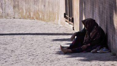 मध्यप्रदेश: ग्वालियर में सड़क पर ठिठुरता मिला पुलिस अफसरों को पुराना साथी, 10 साल से बिता रहा है भिखारी का जीवन