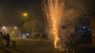 नोएडा में दिवाली के दिन हवा में उड़े NGT के नियम, जमकर हुई आतिशबाजी और फोड़े गए पटाखे