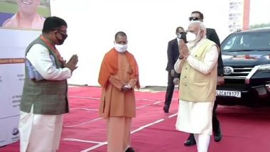 Dev Deepawali 2020: पीएम मोदी पहुंचे वाराणसी, कई परियोजनों के शुभारंभ के बाद देव दीपावली महोत्सव में होंगे शामिल