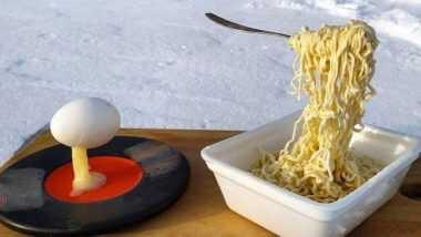 Freezing Temperature! ट्विटर यूजर ने शेयर किया साइबेरिया में ठंड से हवा में जमे हुए नूडल्स और अंडे की तस्वीर, लोगों ने दिए जबरदस्त रिएक्शन्स