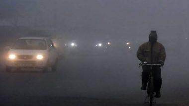 Delhi Winters: घने कोहरे की चपेट में राजधानी दिल्ली, न्यूनतम तापमान 4 डिग्री सेल्सियस तक गिरने की संभावना