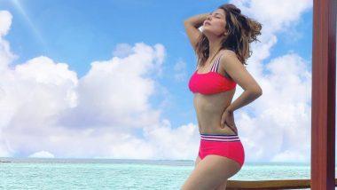 Hina Khan Hot Photo: रेड कलर की बिकिनी पहन हिना खान ने दिया गजब का पोज, हॉट फिगर देख हो जाएंगे फिदा