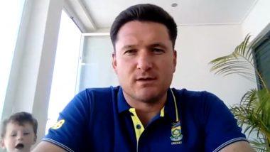 पूर्व अफ्रीकी कप्तान Graeme Smith प्रेस कॉन्फ्रेंस में थे बिजी, बेटे ने कहा- डैडी फीता बांध दो, देखें मजेदार वीडियो