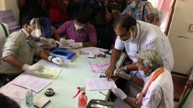 Kerala: कांग्रेस नेता और केरल के पूर्व सीएम ओमन चांडी ने पुथुपल्ली विधानसभा क्षेत्र से दाखिल किया नामांकन
