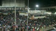 दिल्ली में 6 दिन के लिए लगे लॉकडाउन के बाद आनंद विहार बस टर्मिनल पर जुटी प्रवासी मजदूरों की भारी भीड़