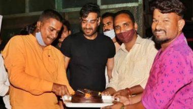 Ajay Devgn ने फैंस के साथ मनाया अपना जन्मदिन, सेलिब्रेशन की तस्वीरें आई सामने