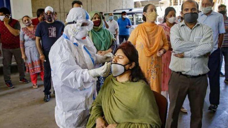 भारत में लगातार छठवें दिन 2 लाख से ज्यादा COVID मामले दर्ज, सर्वाधिक 1761 लोगों की मौत