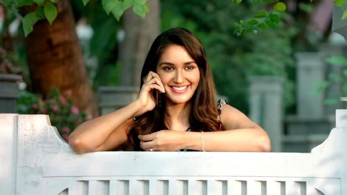 Kabir Singh actress Nikita Dutta gets COVID-19, quarantined herself at home.  ????  LatestLY Hindi