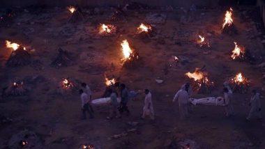 Maharashtra: कफन में लिपटी यूं ही छोड़ दी गई लाशों का अंतिम संस्कार कर रहे अंजान लोग