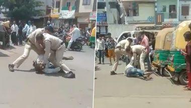 Viral Video: इंदौर पुलिस के दो कर्मियों ने मास्क न पहनने पर शख्स को बेरहमी से पीटा, वीडियो वायरल होने के बाद हुए सस्पेंड