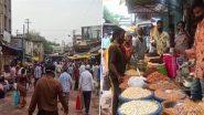 कर्नाटक में कोरोना नियमों की उड़ी धज्जियां, लॉकडाउन लगने से पहले हुबली में खरीदारी करने पहुंचे लोग