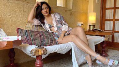Neha Sharma Hot Pics: एक्ट्रेस नेहा शर्मा ने बिकिनी पहनकर पोस्ट की हॉट फोटोज, कहा- वैक्सीन का इंतजार कर रही हूं!