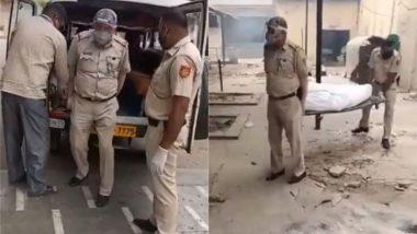 बेटी की शादी को टालकर अपना फर्ज निभा रहे हैं दिल्ली पुलिस के ASI, श्मशान में ड्यूटी करते हुए अब तक किया 1100 शवों का अंतिम संस्कार (Watch Viral Video)