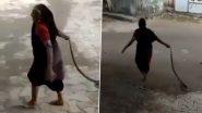 Snake Viral Video: इस मां ने जहरीले सांप को हाथ से पकड़कर निकाला घर से बाहर, वीडियो देख आप भी रह जाएंगे दंग
