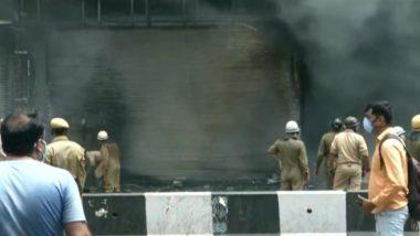 Delhi Fire Breaks: दिल्ली के लाजपत नगर मार्केट में लगी भीषण आग