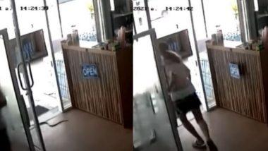 Snake Viral Video: अपनी शॉप में सांप को रेंगते हुए देख डर के मारे महिला का हुआ बुरा हाल, फिर जो हुआ…