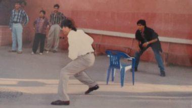 Dil Toh Pagal Hai के सेट पर क्रिकेट खेलते अक्षय कुमार और शाहरुख की पुरानी फोटो हुई Viral