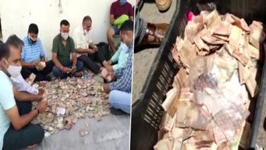 Jammu Kashmir: Found piles of money in the hut of an elderly woman begging, people tired of counting, pictures viral