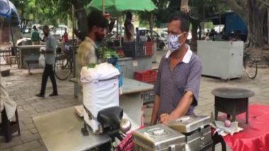 चंडीगढ़: वैक्सीन लगवाकर आएं और छोले भटूरे मुफ्त में खाएं, शख्स के इस कदम की जमकर हो रही है सराहना (See Pics)