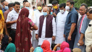 MP Floods: बाढ़ग्रस्त इलाके में गए केंद्रीय मंत्री नरेंद्र सिंह तोमर पर भड़के लोग, फेंका कीचड़, कलेक्टर-एसपी का किया गया ट्रांसफर
