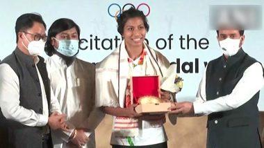 Tokyo Olympics 2020: मुक्केबाजी में भारत को कांस्य पदक दिलाने वाली लवलिना बोरगोहेन को केंद्रीय मंत्री अनुराग ठाकुर ने किया सम्मानित