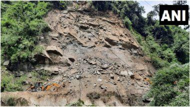 पश्चिम बंगाल: भारी बारिश के चलते सिलीगुड़ी में भूस्खलन से नेशनल हाइवे-10 हुआ बंद, बहाली में जुटा प्रशासन