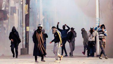 Jammu and Kashmir: पत्थरबाजों के खिलाफ कड़ा एक्शन, नहीं मिलेगी सरकारी नौकरी, न पासपोर्ट वेरिफिकेशन