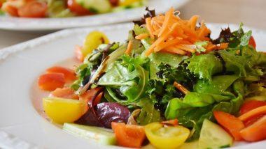 When To Eat Salad: ज्यादातर लोग ये नही जानते कि सलाद कब खाया जाना चाहिए, इसके सही समय पर सेवन से कई बड़ी बीमारियां दूर हो सकती है