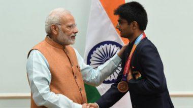 Tokyo Paralympic 2020: प्रधानमंत्री मोदी ने पैरालंपिक में पदक जीतने पर आईएएस अधिकारी सुहास को बधाई दी