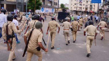 दक्षिण दिल्ली में धार्मिक जुलूस के दौरान एक समूह की पुलिस से झड़प