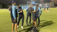 ICC T20 World Cup 2021: अभ्यास सत्र के दौरान एमएस धोनी कुछ इस अंदाज में आए नजर, देखिए तस्वीरें